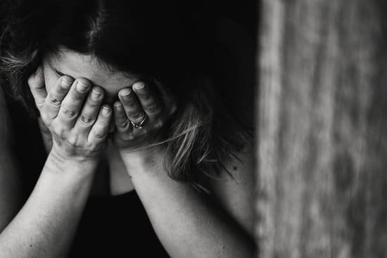 depression in females with urinary incontinence