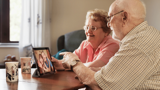 virtual chat and facetime with family
